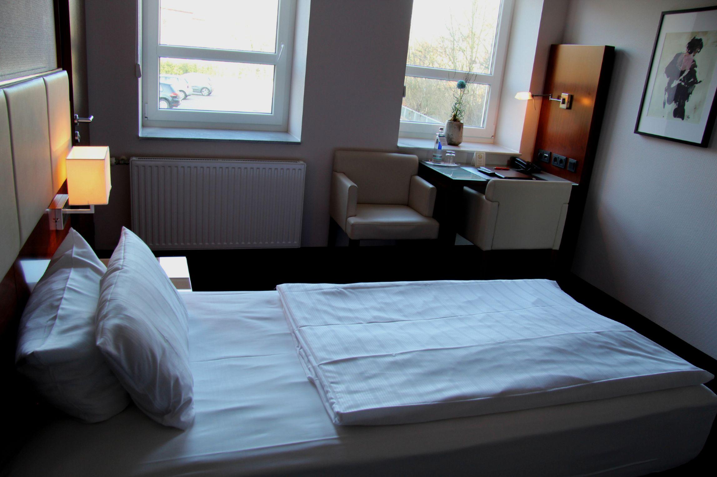 Adena Hotels