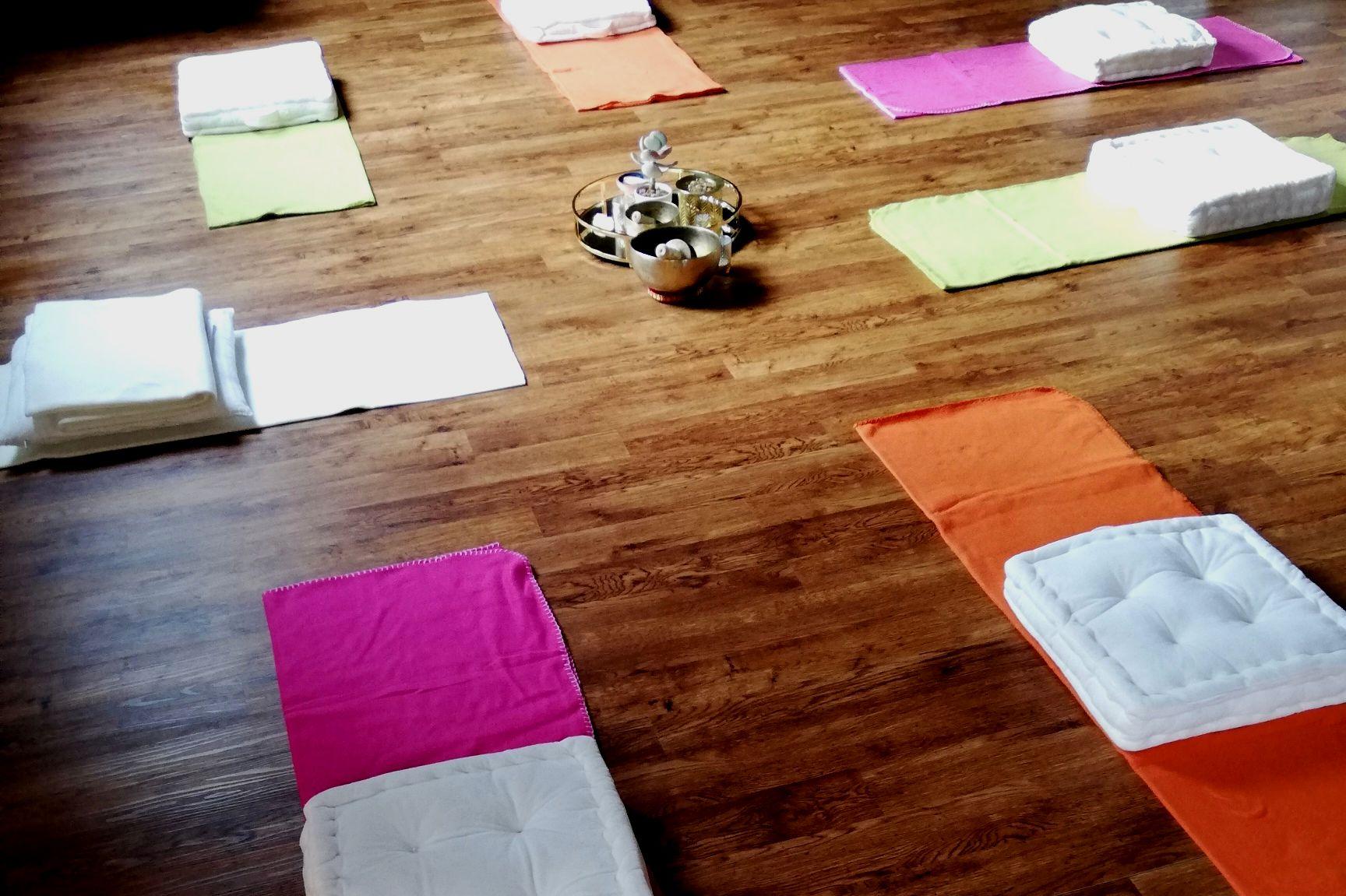 Glück Annika - Begegnung mit Coaching, Meditation, Räucherwerk