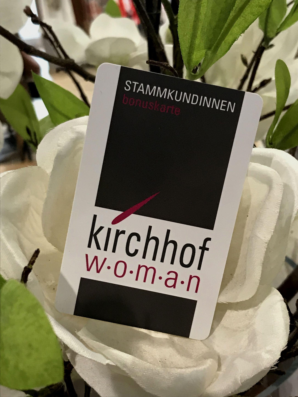 Kirchhof woman auf der allee