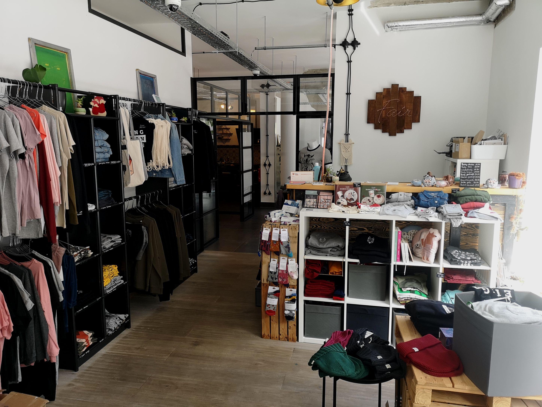 Róka - fair clothing